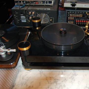 Basis Audio Debut Signature Vacuum turntable