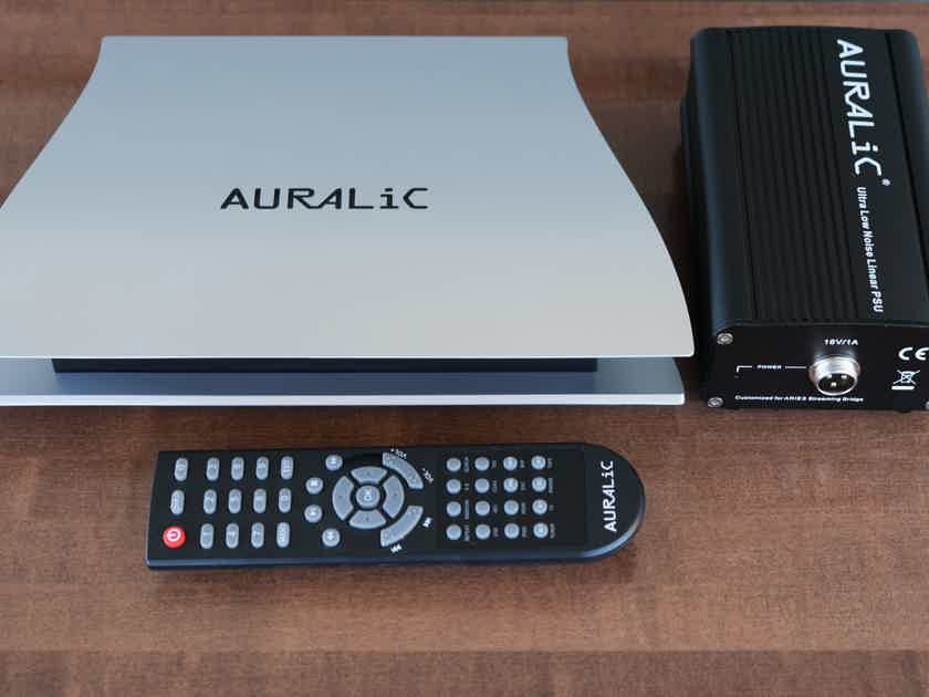 AURALiC ARIES streamer/music server with Dual FemtoClocks and linear power supply