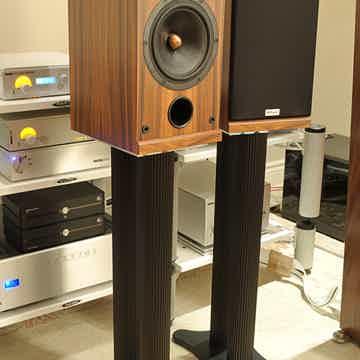 Solid Tech Radius Loudspeaker Stands