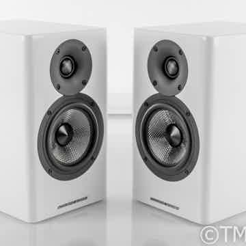 AE500 Bookshelf Speakers