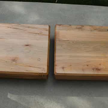 """Mapleshade  4"""" Speaker Plinths - Pair"""