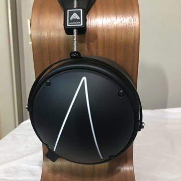Audeze LCD2C Closed Back Headphones