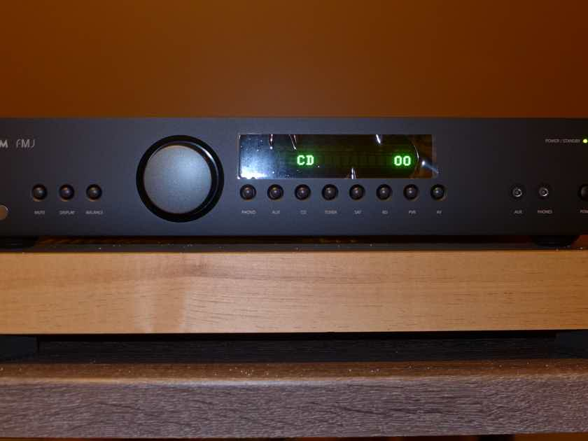 Arcam FMJ A29 Integrated - Like New