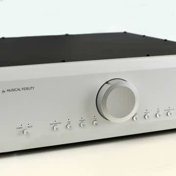 Musical Fidelity M6PRE Dual Mono Preamplifier Excellent...