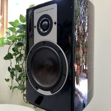 DALI EPICON 2 LOUDSPEAKERS  W/STANDS