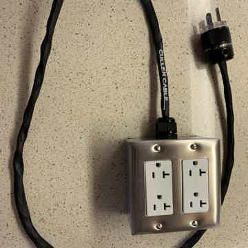 Crossover Series (4 outlet) Power Strip