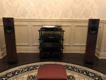 British HiFi in a tiny intimate Library
