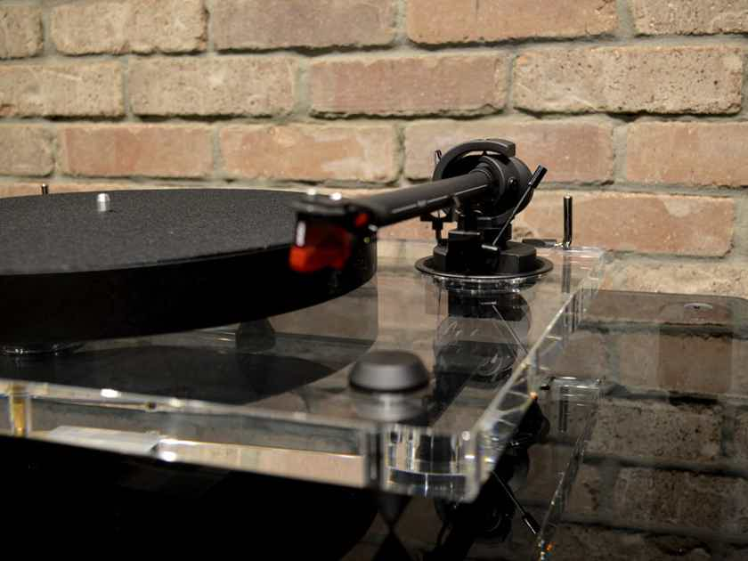 Pro-Ject 2Xperience Primary - Limited Ed. Acrylic Turntable with Ortofon 2M Red Cart.