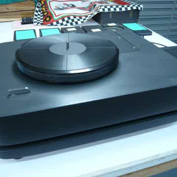 Saskia Reference II Turntable