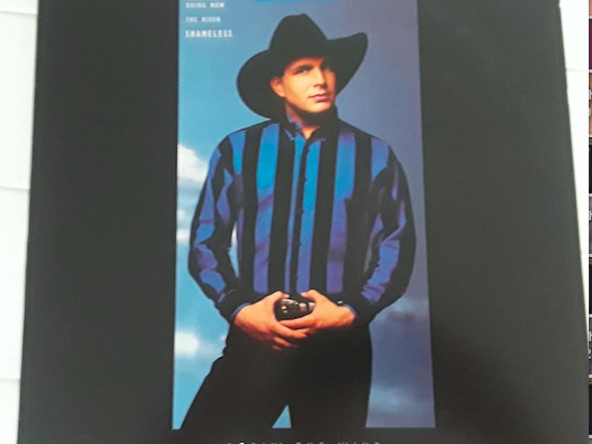 "Garth Brooks ""Ropin' the Wind""  - 1991 Liberty Records"