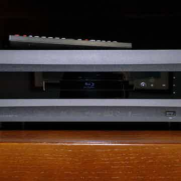 OPPO BDP105 Universal BluRay Player with Media Server f...