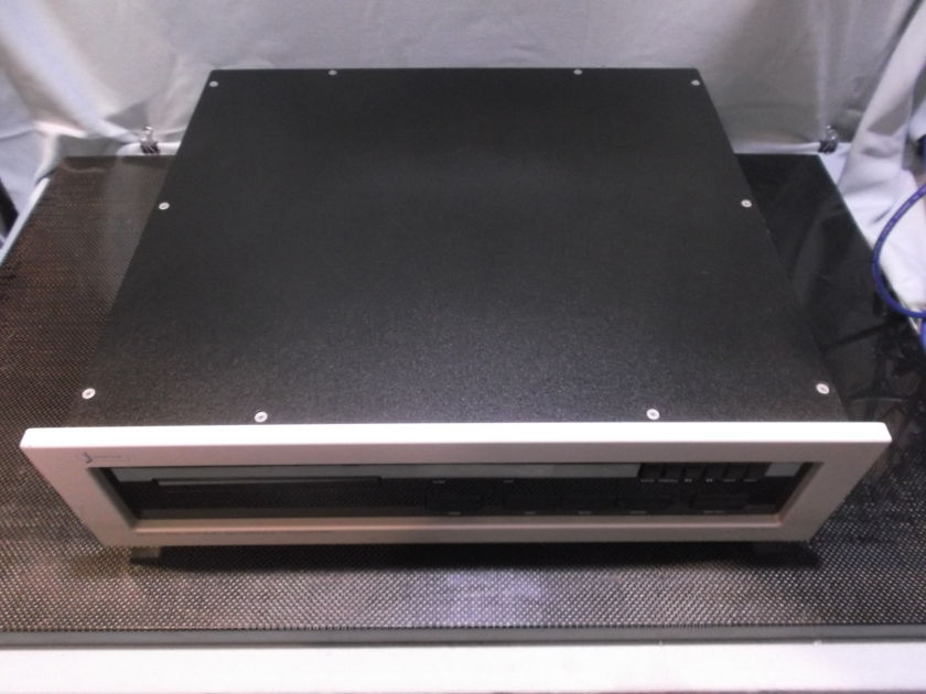 SPECTRAL  SDR 3000 DIGITAL DISC TRANSPORT