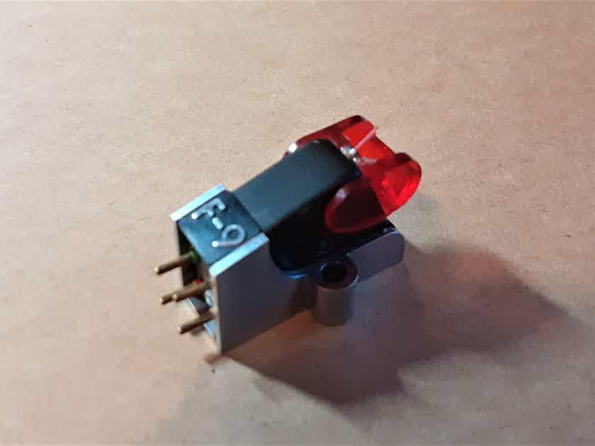Grace  F-9 Ruby top MM cartridge