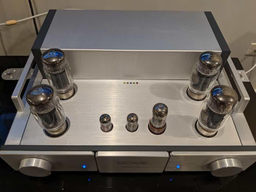 Octave Audio MRE 220
