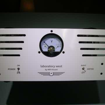 DYNACO BY WILL VINCENT ST-70.....40 WATTS PER CHANNEL