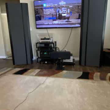 Magnepan  3.5r speakers
