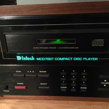 MCD7007 CD Player with Wooden Case