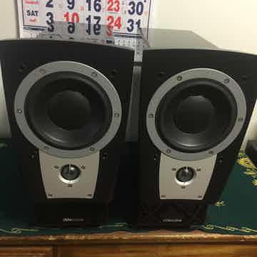 Dynaudio Confidence C1 II Speaker & stands