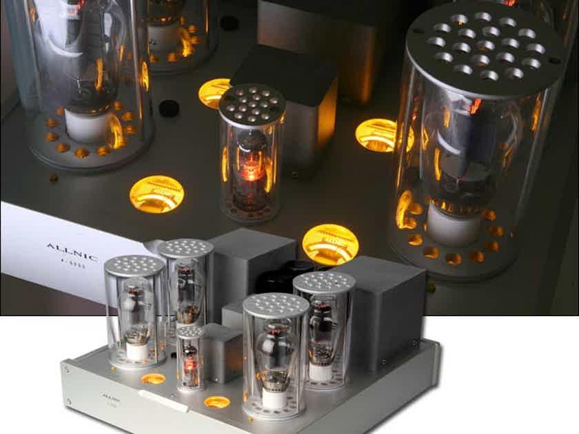 Allnic Audio A6000 Monoblock Amplifiers