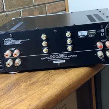 Musical Fidelity A-308cr amp