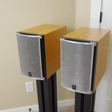 Studio Electric M4 Monitor Speakers Figured Maple with...