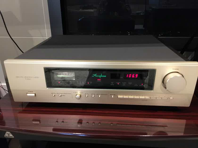 Accuphase Tuner T-1100 with Remote and Factory Box