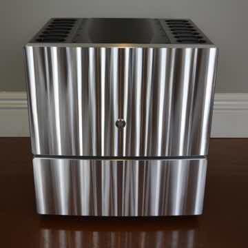 MODEL 825 Stereo Power Amplifier