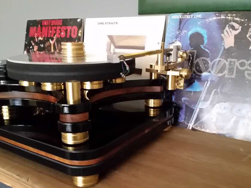 SAM (Small Audio Manufacture) Renegade Audiophile Turntable with tonearm