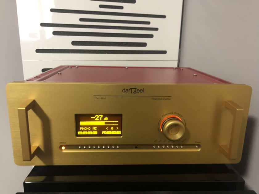 darTZeel CTH-8550 Integrated Amp with MM/MC Phono , Blow out Sale
