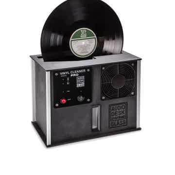 Audio Desk Vinyl Cleaner PRO in black