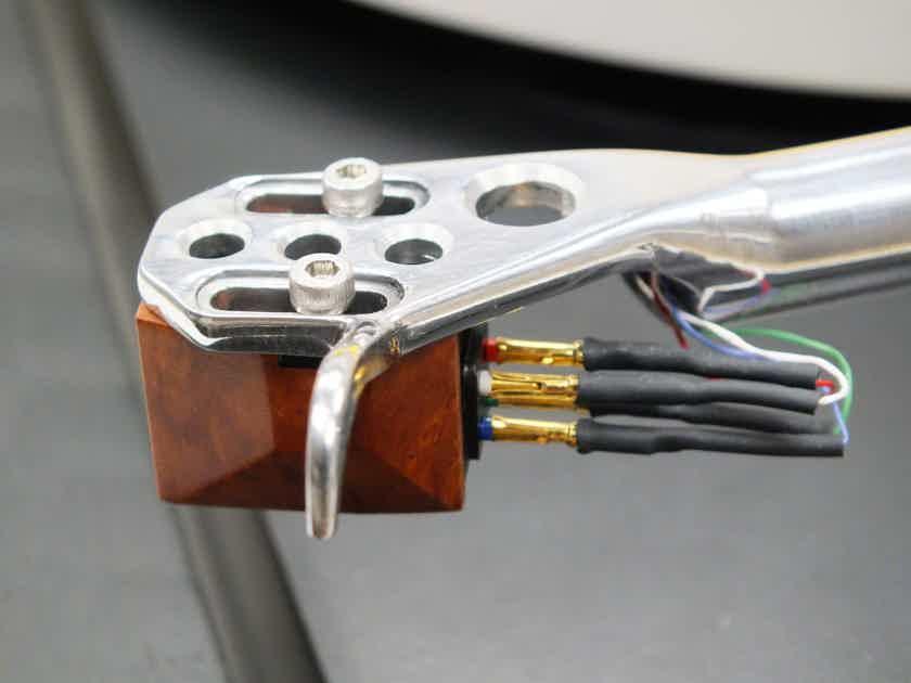 Rega P9 Turntable (Black): w/BENZ SM Cartridge; Excellent Trade-in; 1 Yr. Warranty; 50% Off