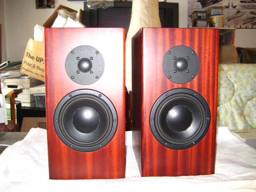 Totem Mani-2s,best speakers Vince Bruzzese ever made,absolutely mint,mahogany,packaging