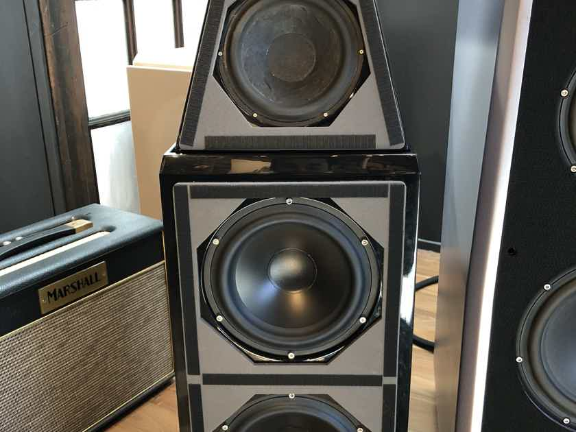 Wilson Audio Watt Puppy 6 Loudspeaker Pair in Diamond Black