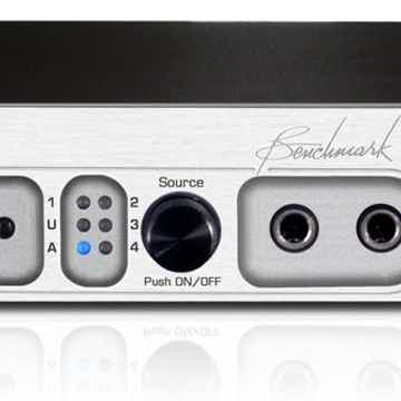 Benchmark  DAC1 HDR Pre w/ Remote