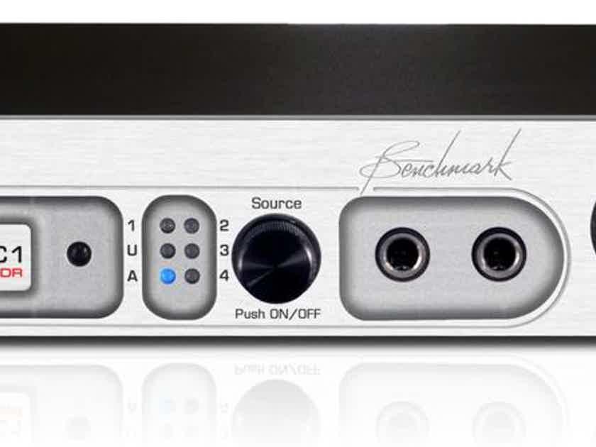 Benchmark  DAC1 HDR Pre w/ Remote Silver