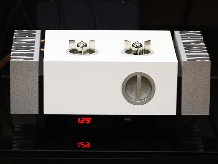 Pathos Acoustics Classic Remix Integrated Amplifier Gloss White  Warranty Insured Shipping Paypal Included
