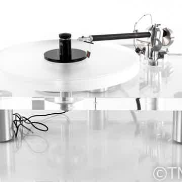 """1400 Turntable; 9"""" Clearaudio Unify Carbon Tonearm"""