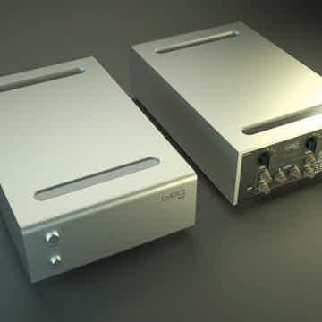 Lyric Audio PS 10 MC/MM tube phone amplifier (front and back view)