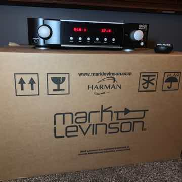 Mark Levinson No 523 Preamplifier with Phono