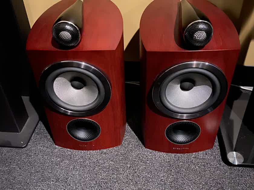B&W (Bowers & Wilkins) 805 D3 with original stands