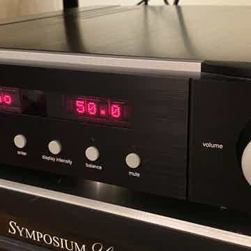 Mark Levinson No 526 Preamplifier, Phono, DAC, Headpho...