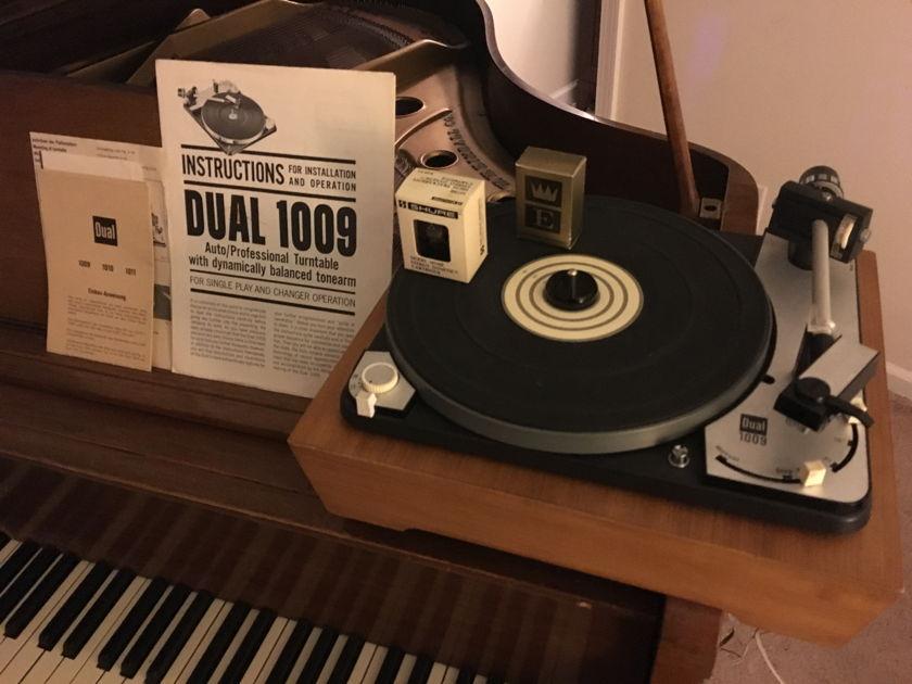 Dual Vintage Turntable 1009
