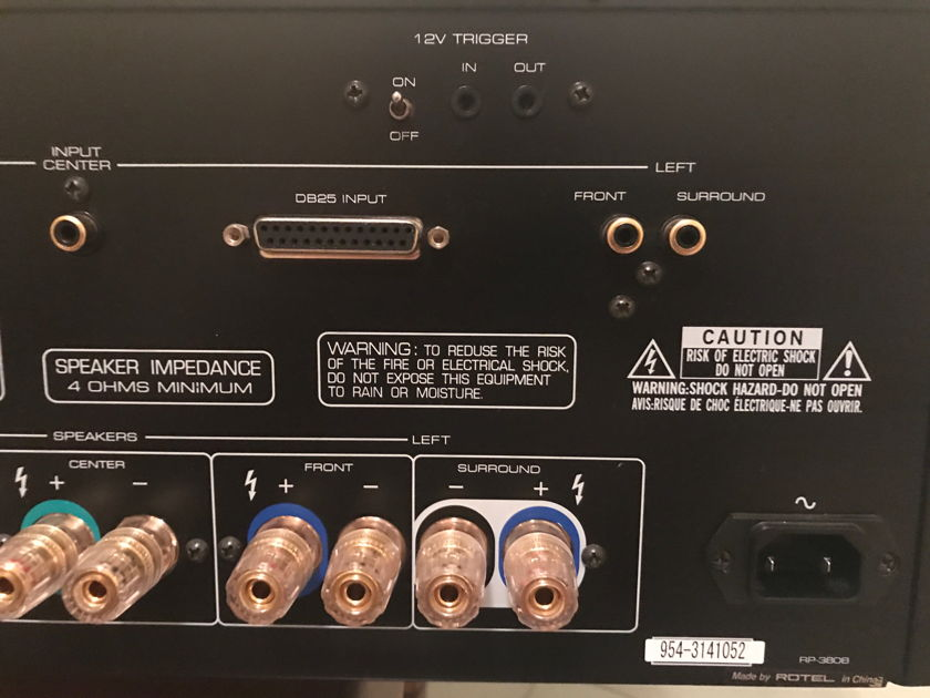 Rotel RMB-1075 - 5 Channel Power Amplifier