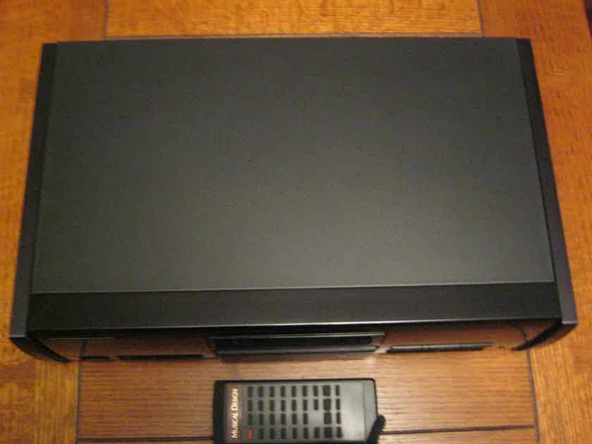 Musical Design CD-2  Signature T-1 CD Player