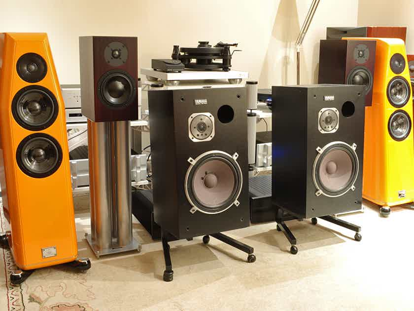 YAMAHA  NS-500 Monitors with Dedicated Stands