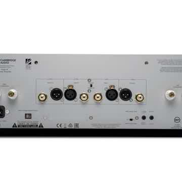 Cambridge AUDIO  Edge W