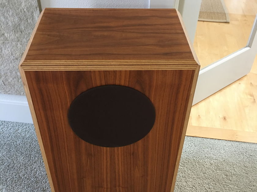 Shahinian Acoustics Hawk Ensemble --speakers for the music lover