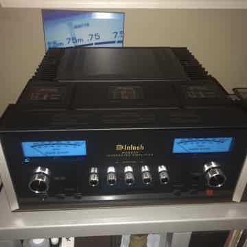 McIntosh MA-8900