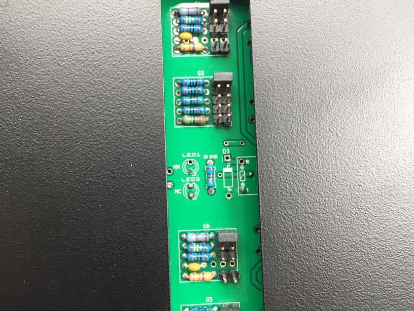 Oracle Audio Technologies Paris PH100 Phono Preamplifier Phono Stage Black