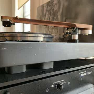 Oswalds Mill Audio Anatase Turntable